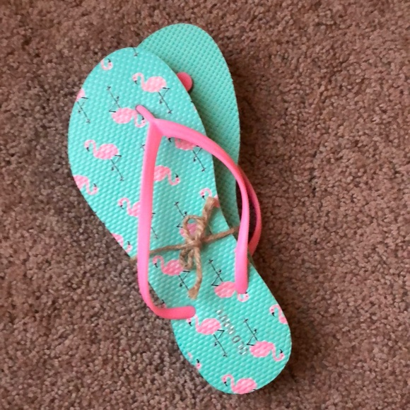 e3995b75d82152 Old navy flamingo flip flops size 10. NWT